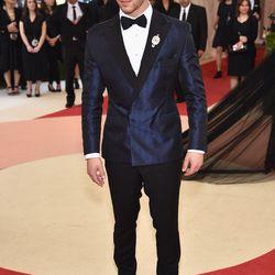 Nick Jonas wears Topman.