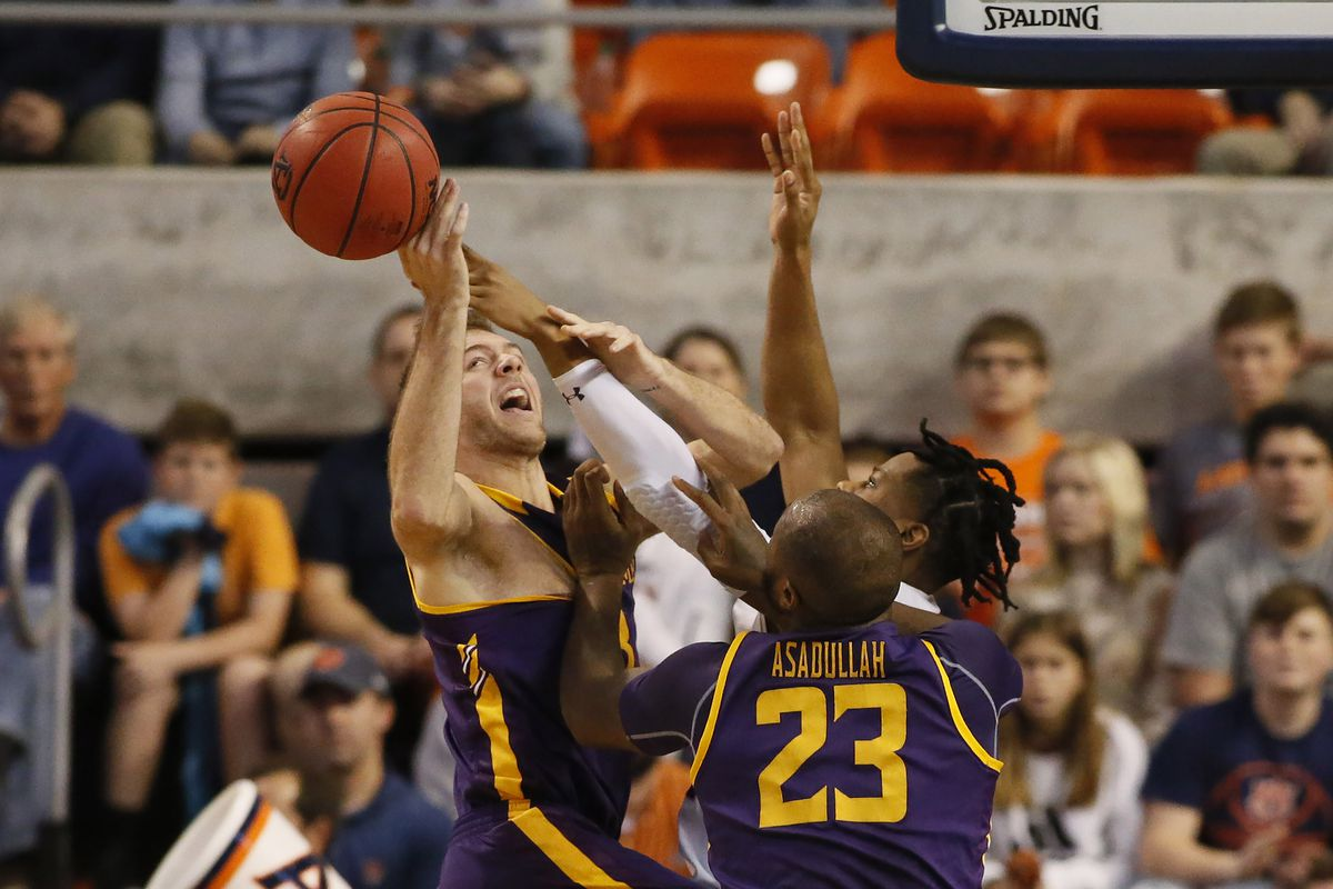 NCAA Basketball: Lipscomb at Auburn