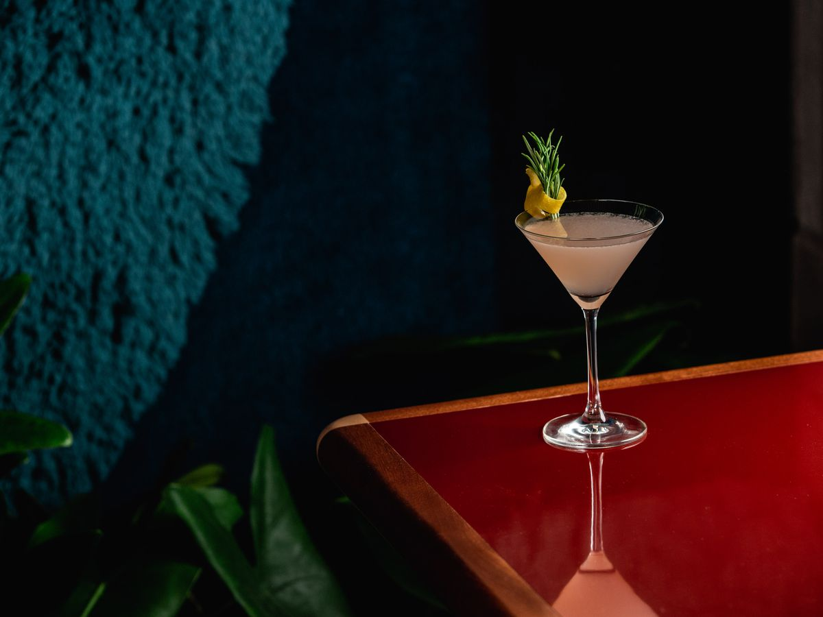 London's best hotel bars and restaurants include Isla at The Standard London
