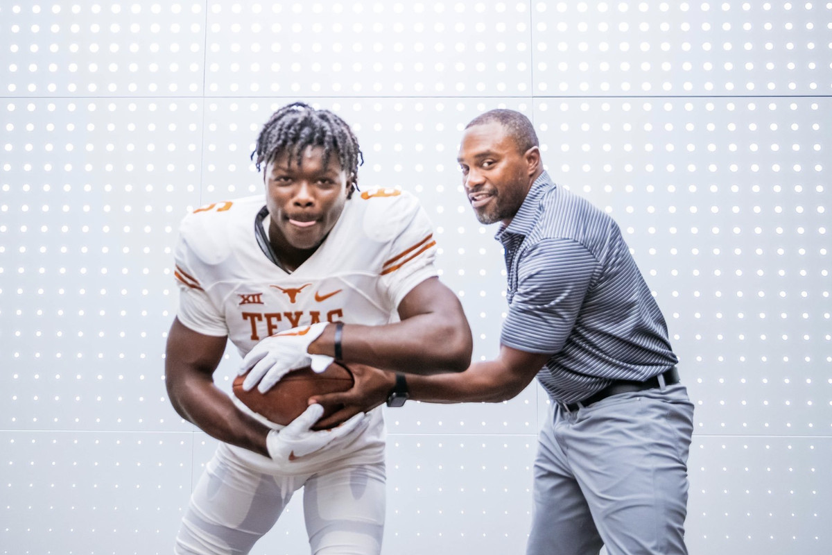Dynamic APB Ty Jordan commits to Texas