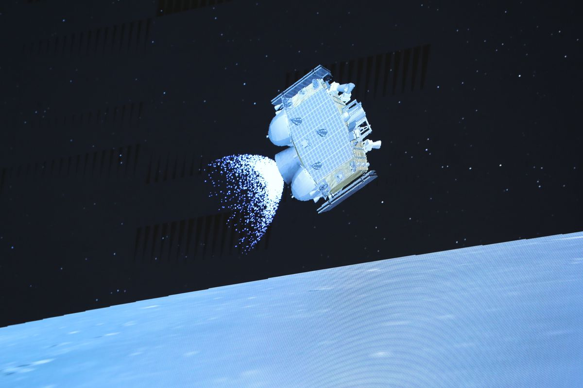 China's Chang'e 5 completes docking mission on its way back to Earth - The  Verge