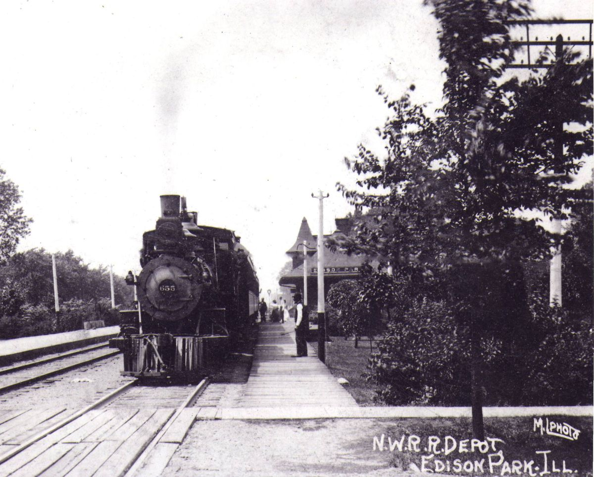 The Edison Park train station in the early 1900s. | Courtesy of the Northwest Chicago Historical Society