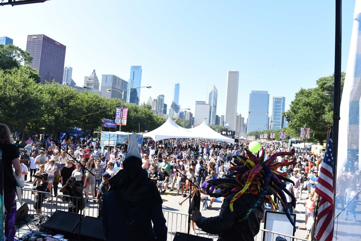 Music lovers enjoy the free entertainment at Taste of Chicago's Bud Light Stage, 2017. | COURTESY DCASE