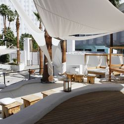 The outdoor dining area at Bagatelle.