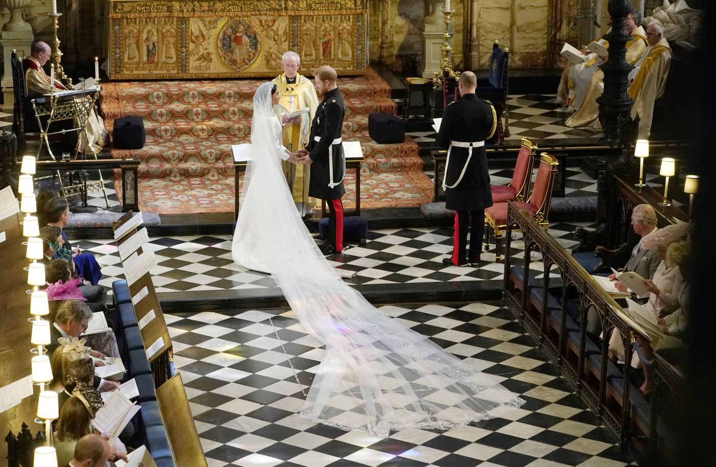 Royal Wedding Meghan Markle Wears Givenchy Dress To The Ceremony Vox