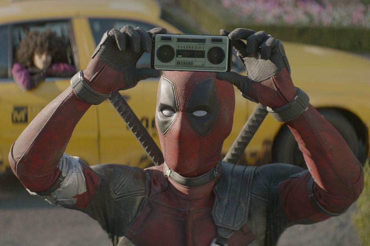 Ryan Reynolds as Deadpool DEADPOOL 2.