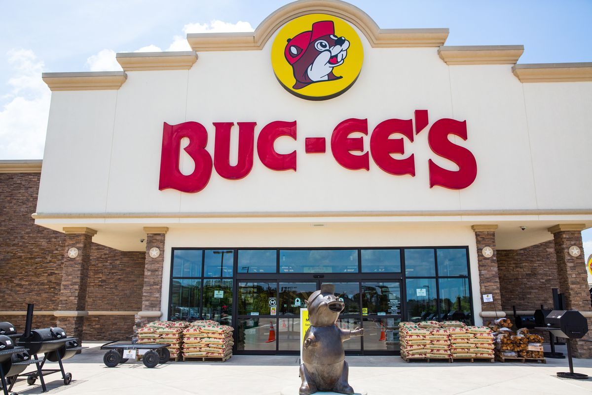 Everything You Need to Eat at Buc-ee's, Texas' Road Trip Wonderland