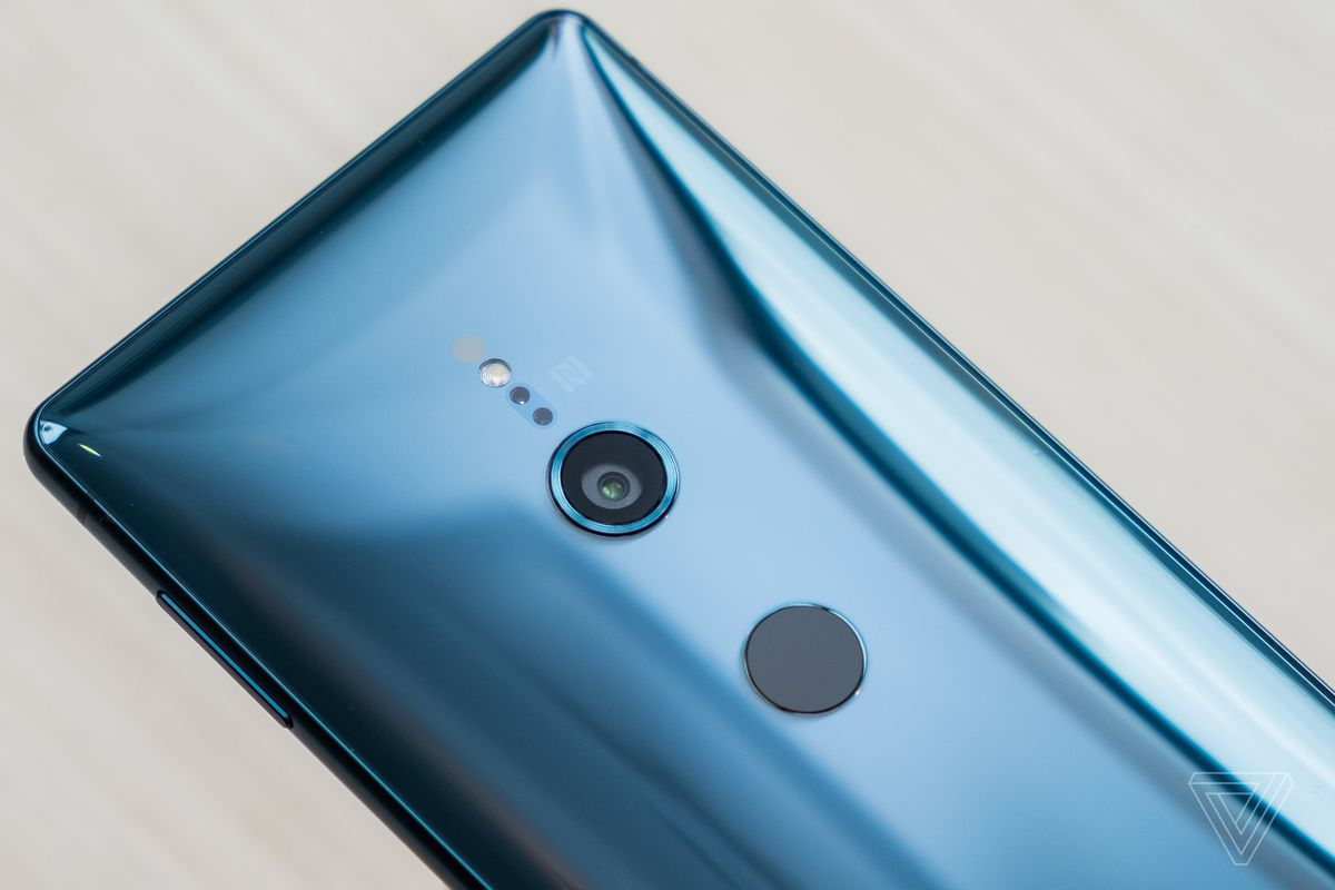 Sony's XZ2 phones have smaller bezels and no headphone jack