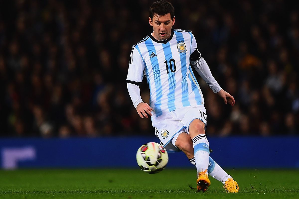 7b9ffe9e77a Lionel Messi never lets down Argentina, and he needs help - SBNation.com