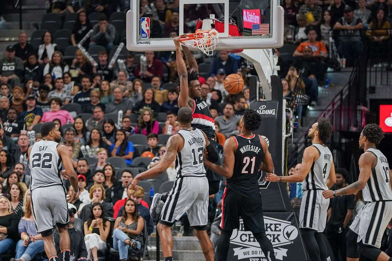 The Spurs are caught in the middle of too many crossroads