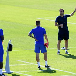 Lampard addresses one of the groups