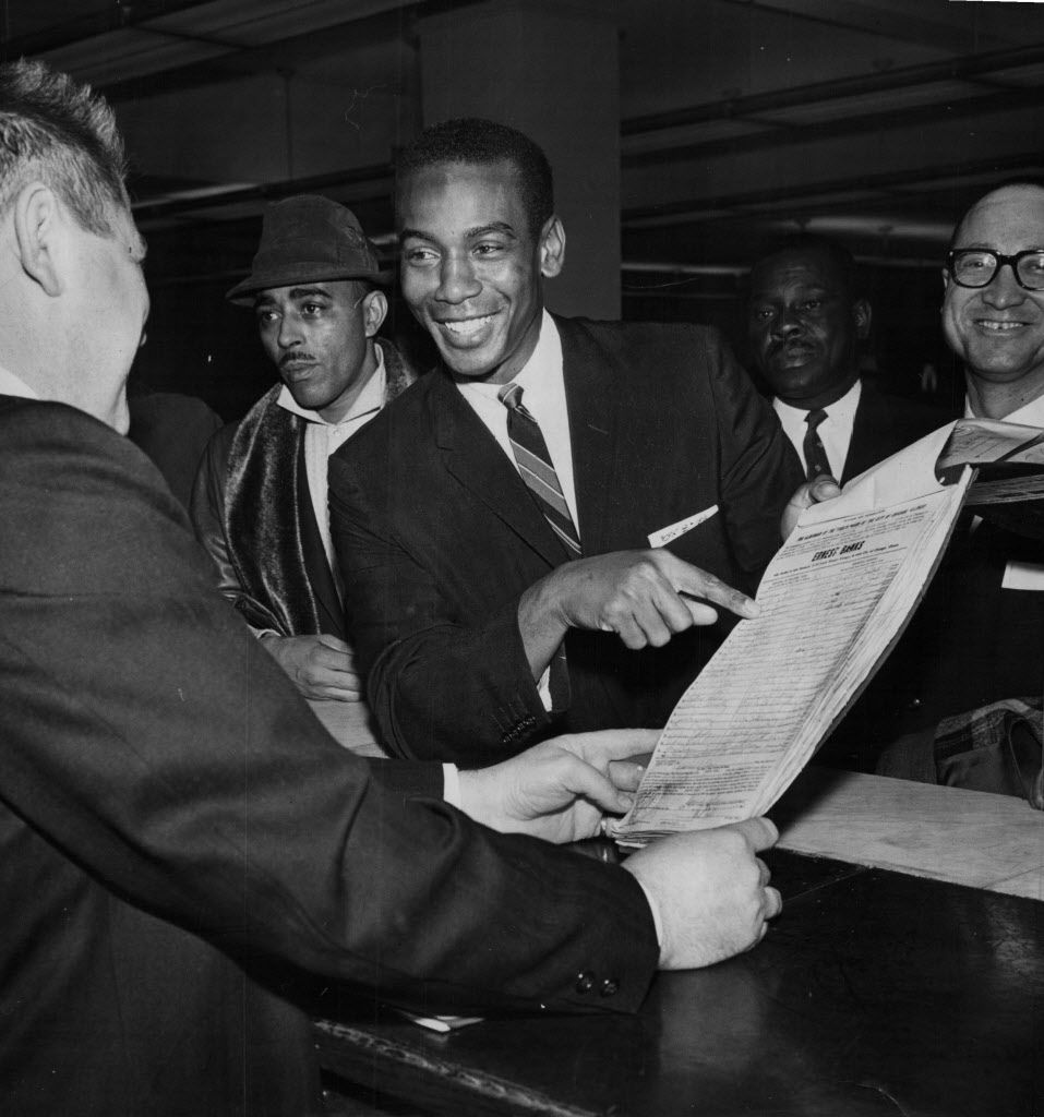Ernie Banks, Cubs star baseball player, files his petitions to run for Alderman in 1963.   Sun-Times library