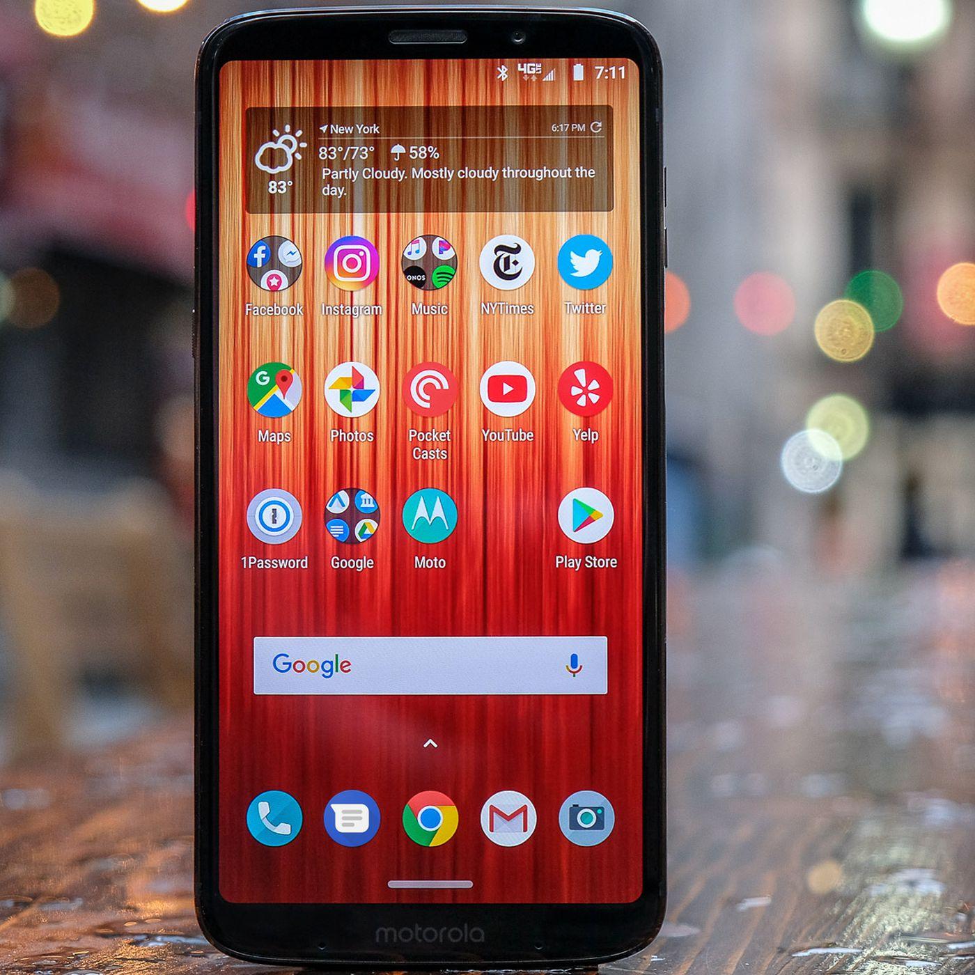 Motorola Moto Z3 review: identity crisis - The Verge