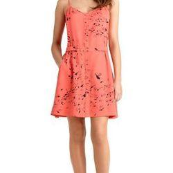 "<a href=""http://www.rachelroy.com/Baga-Button-Up-Dress/110250174,default,pd.html?variantSizeClass=&variantColor=JJHG3A3&cgid=110004705&prefn1=catalog-id&prefv1=rachelroy-catalog"">Baga Button Up Dress</a>, $79 (was $109)"