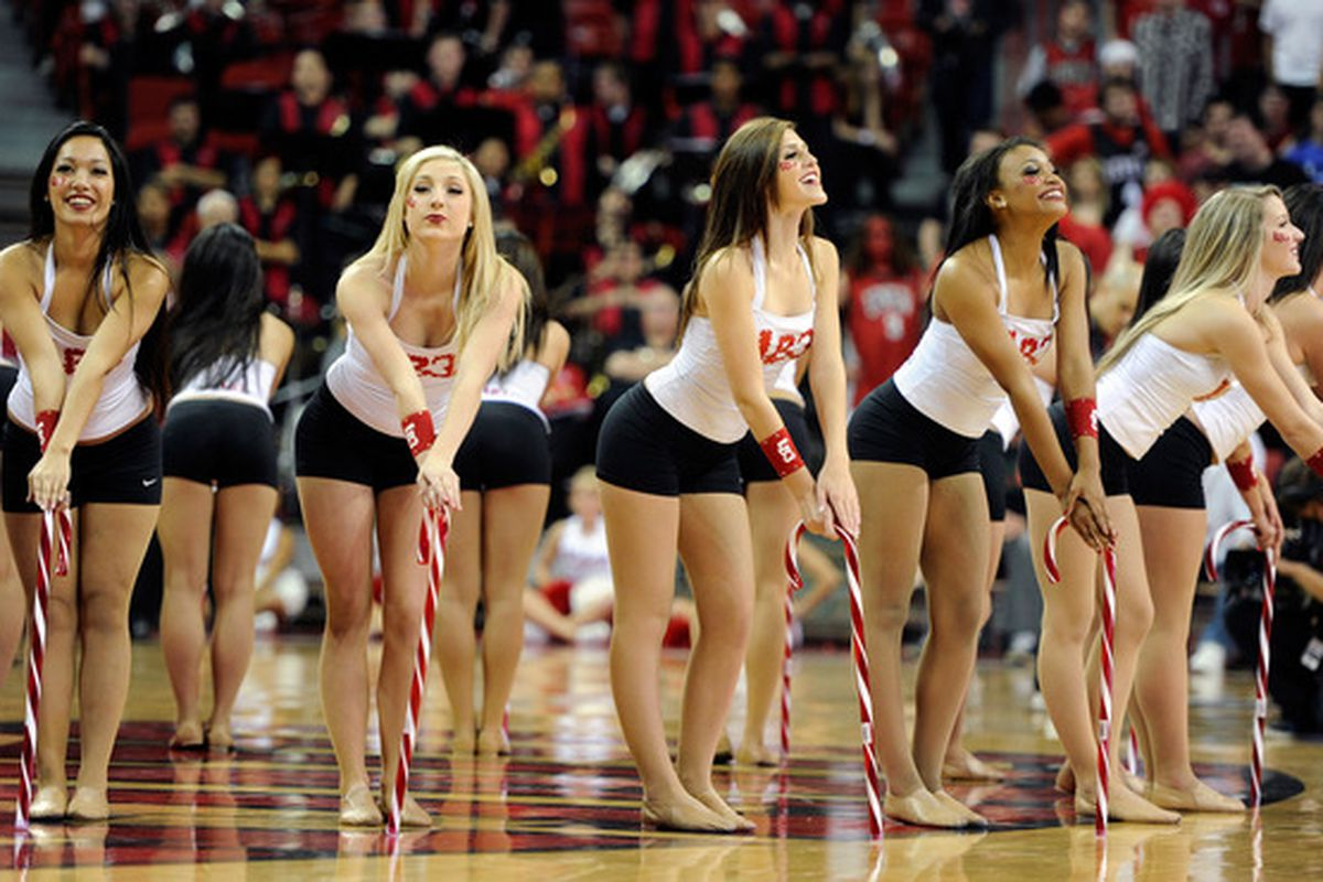 This was the only good thing about last night's game at the Thomas & Mack Center in Las Vegas.