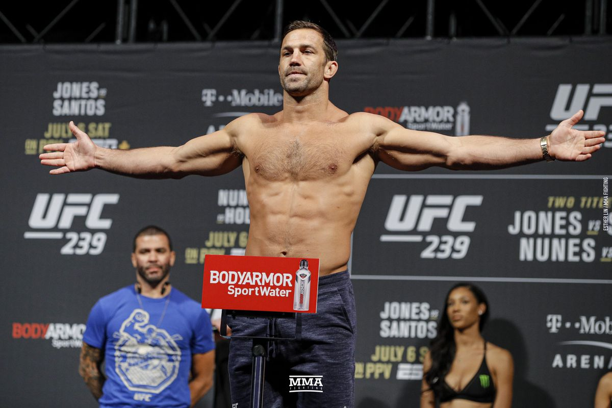 Morning Report: Luke Rockhold strongly considering retirement: 'I have no interest in fighting right now'