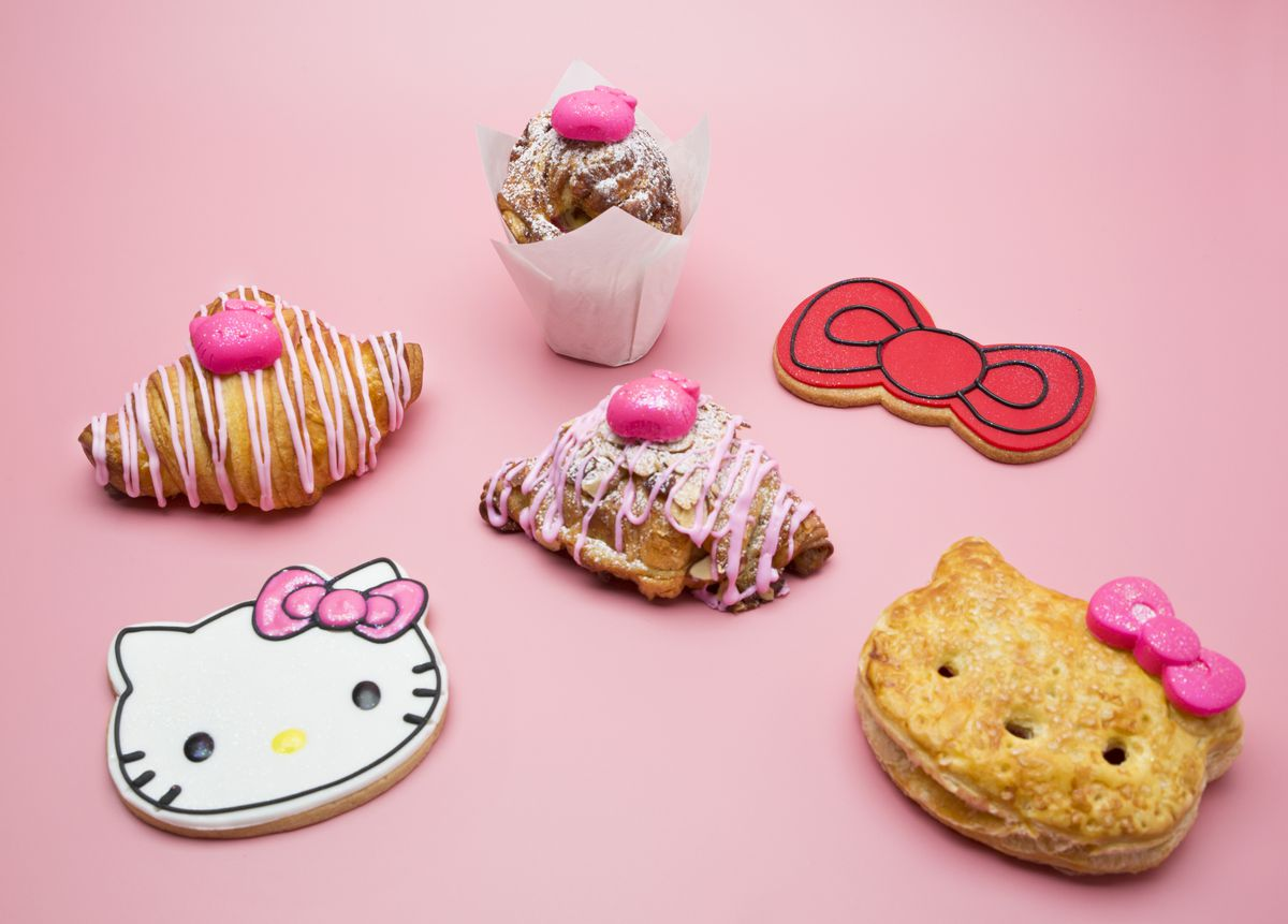 Sweets at the Hello Kitty Cafe