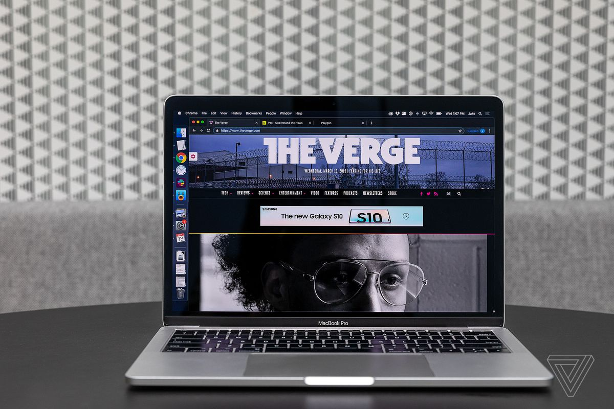 How to enable dark mode on your phone, laptop, and gaming consoles