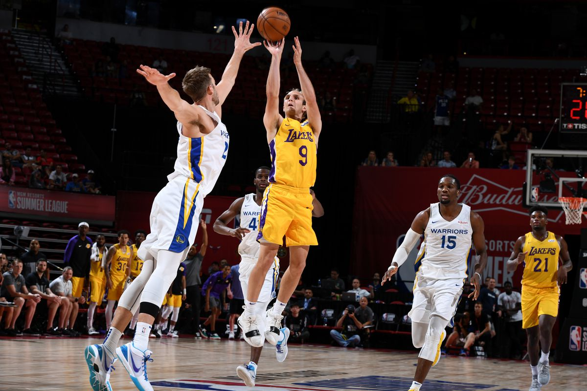 separation shoes d2f69 0195e Lakers beat Warriors 88-87 in Dubs' summer league finale ...