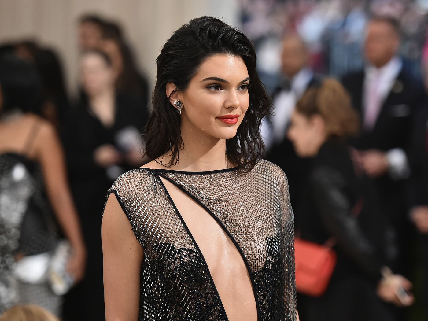 Fyre Fest Reportedly Paid Kendall Jenner 250k For A Single