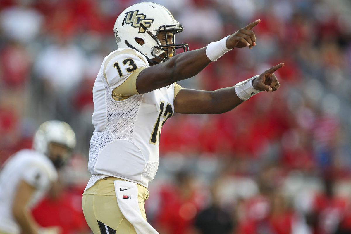 Holman throwing out the signals at Houston