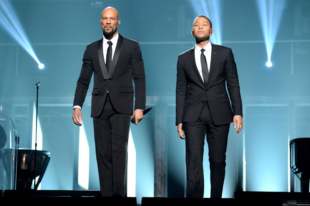 Common and John Legend perform 'Glory' during the 2015 Oscars.