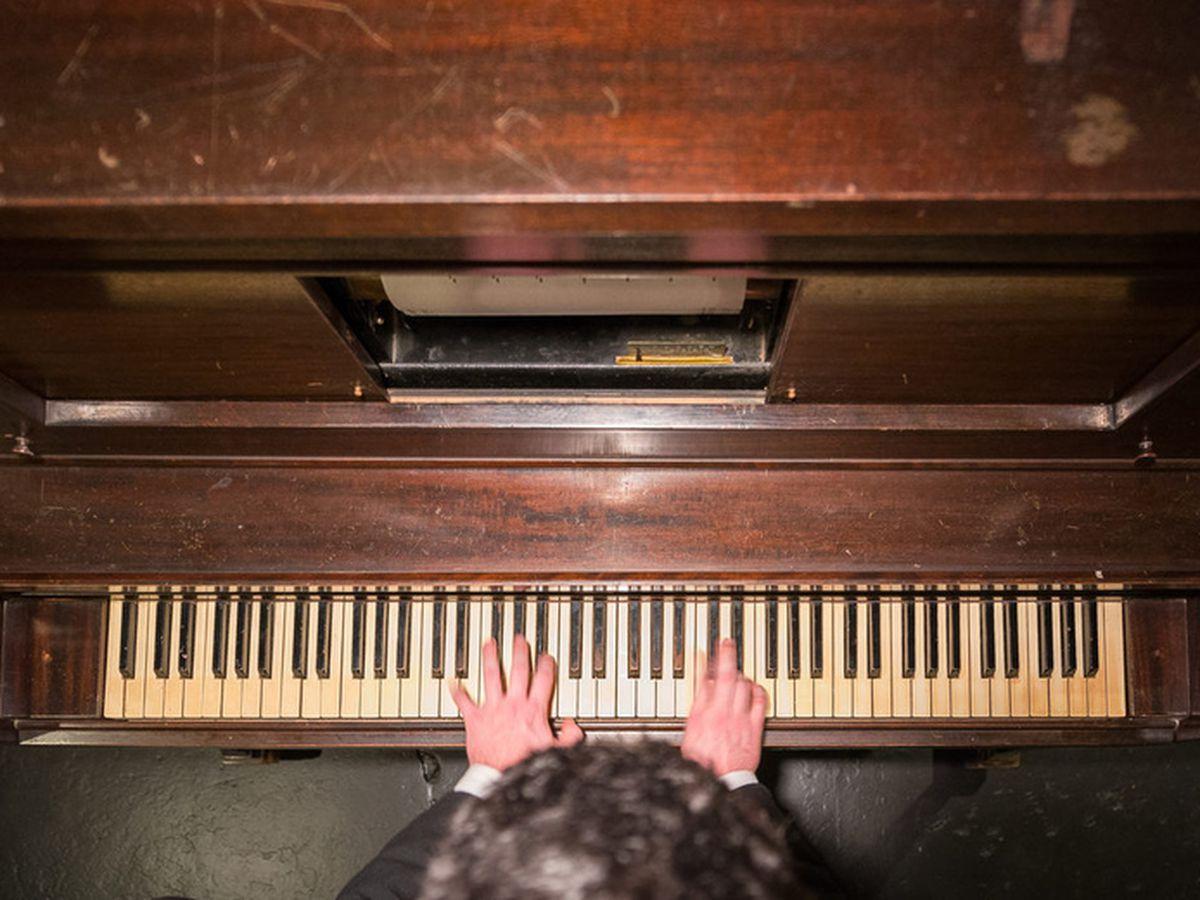 dc gay piano bar