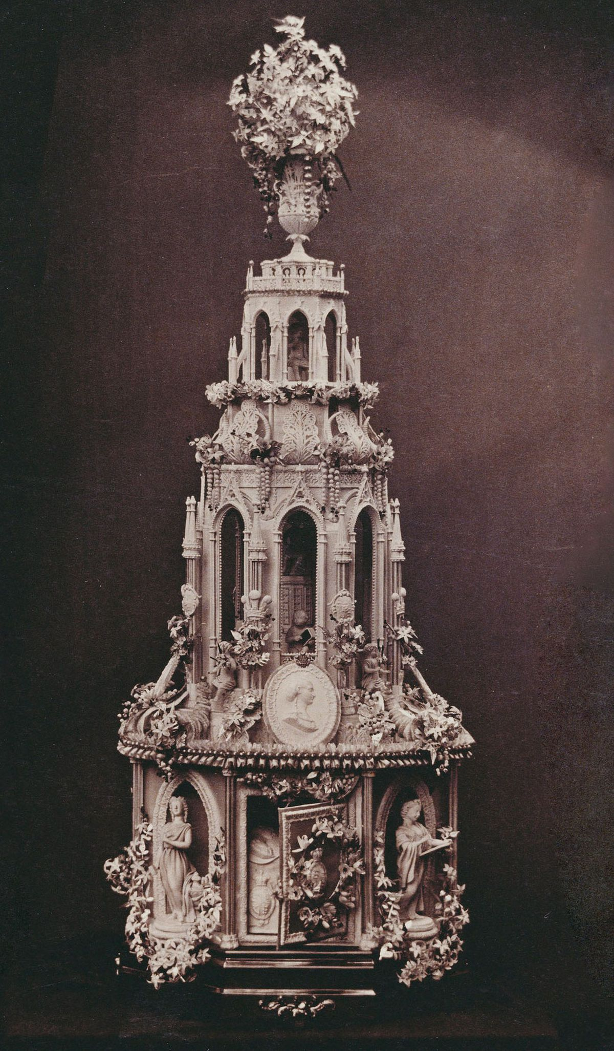 Wedding cake of Prince and Princess of Wales, later King Edward VII and Queen Alexandra