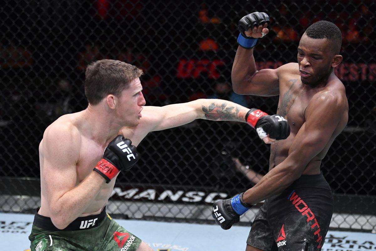 UFC 260: Mullarkey v Worthy