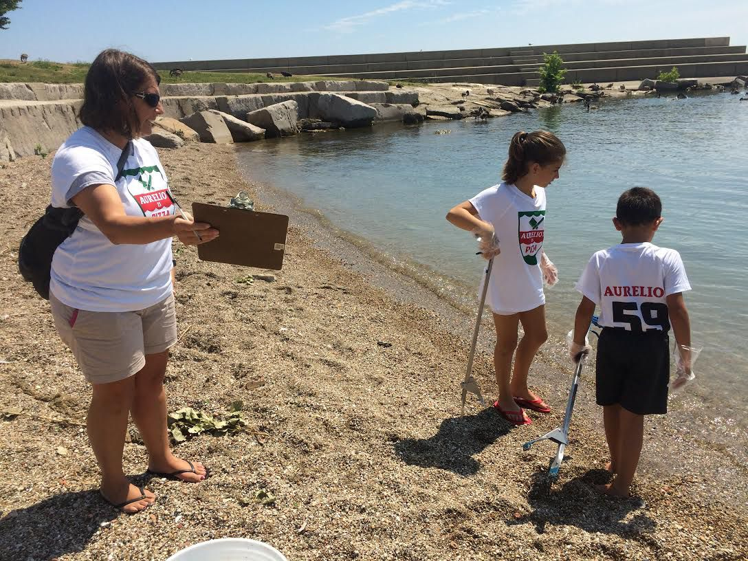 A beach clean-up is a great weekend activity. | Virginia Barred/Chicago Sun-Times