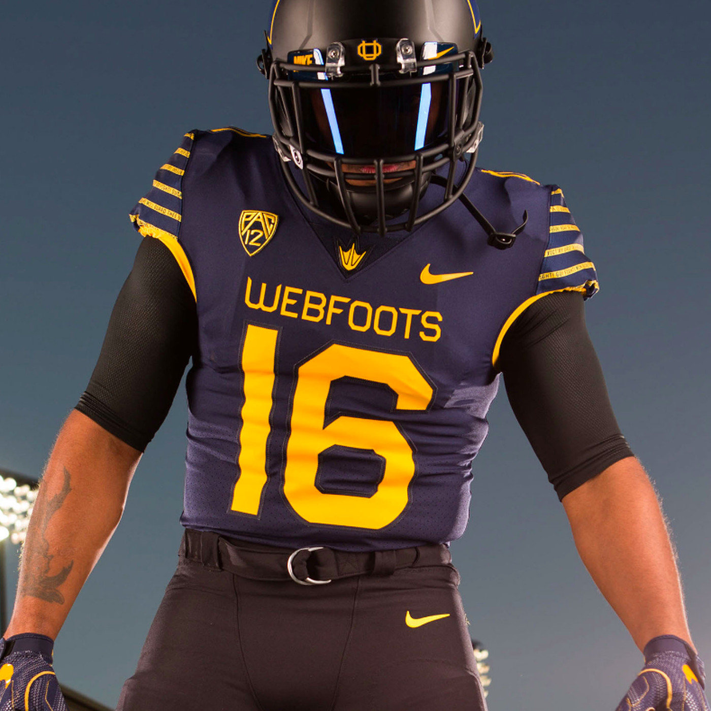 buy online 05c96 bd493 Why Oregon's wearing blue-and-gold uniforms that say ...