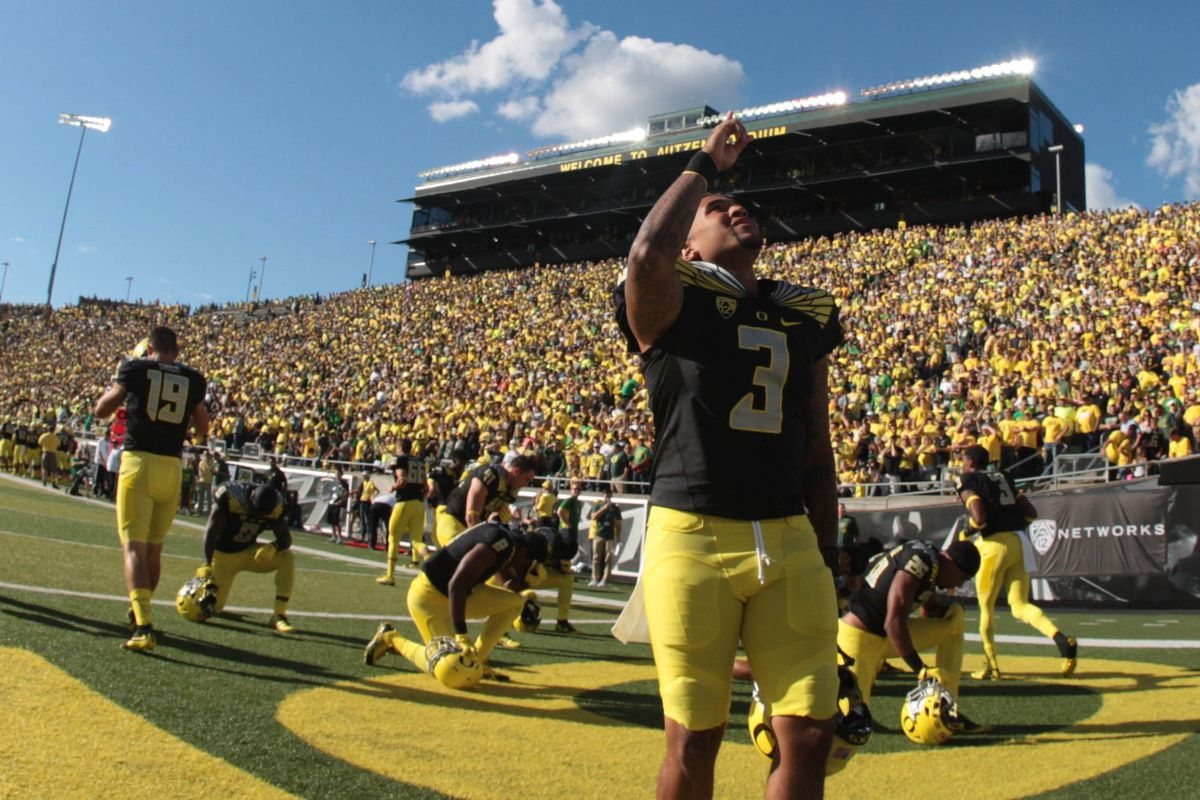 Vernon Adams faces a tough test in his first road game for the Ducks as Oregon travels to East Lansing
