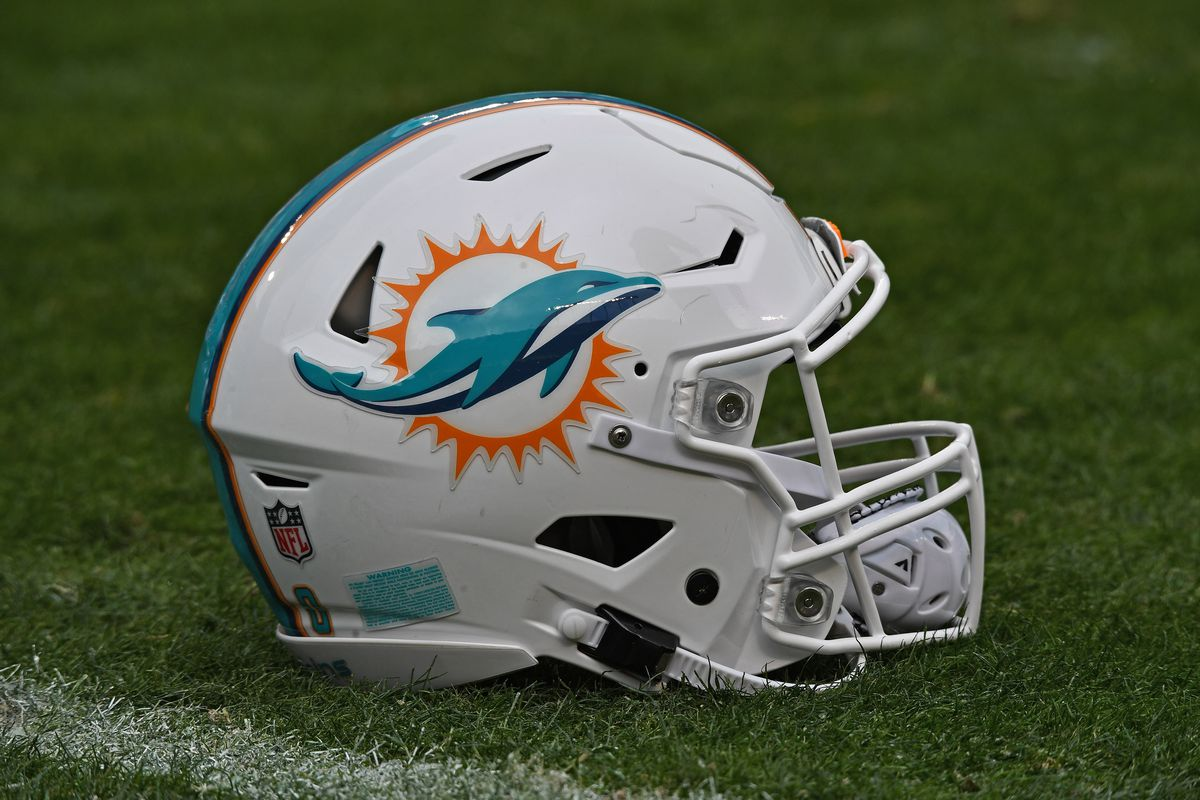 Miami Dolphins v Kansas City Chiefs