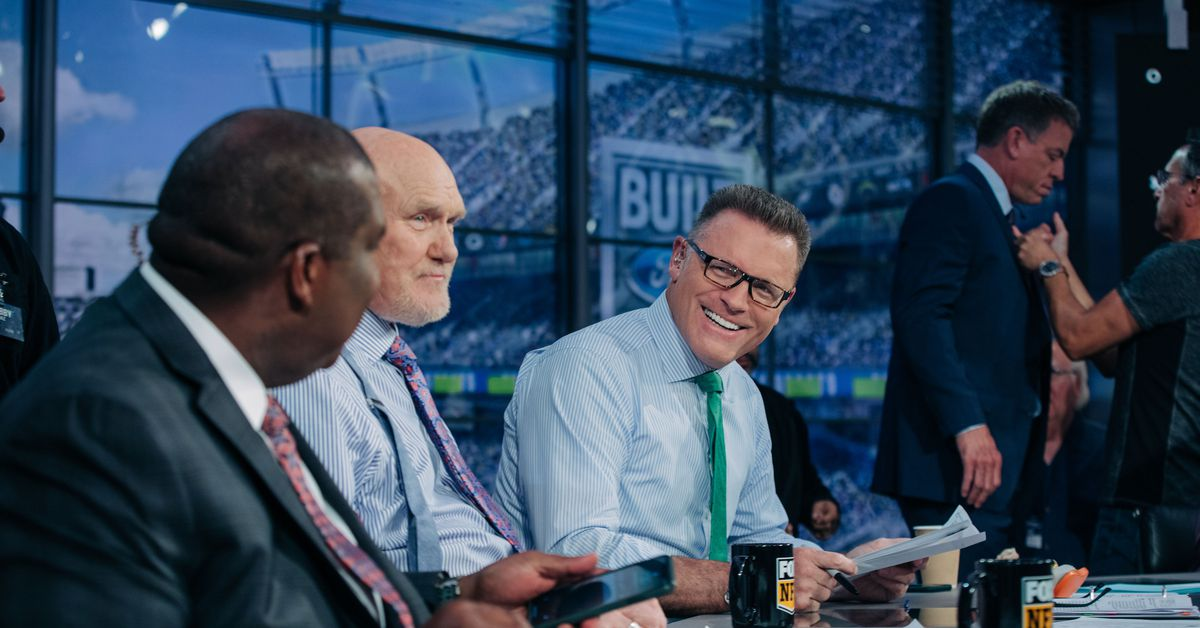 Football and family go hand in hand for FOX NFL Sunday's Howie Long thumbnail