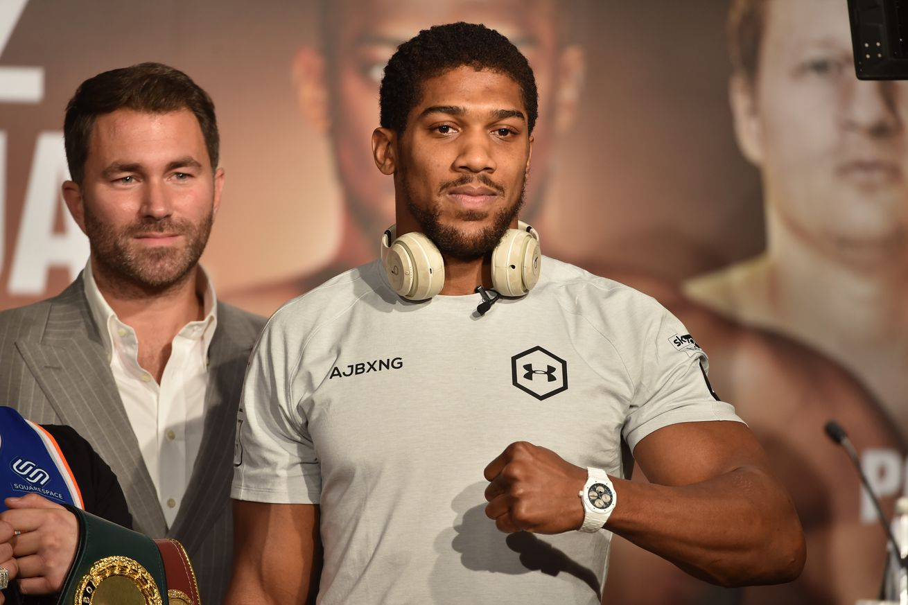 1186492873.jpg.0 - Hearn hoping for crowd for Joshua-Pulev, but ready go to in December without