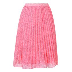 The Dama skirt in pink.