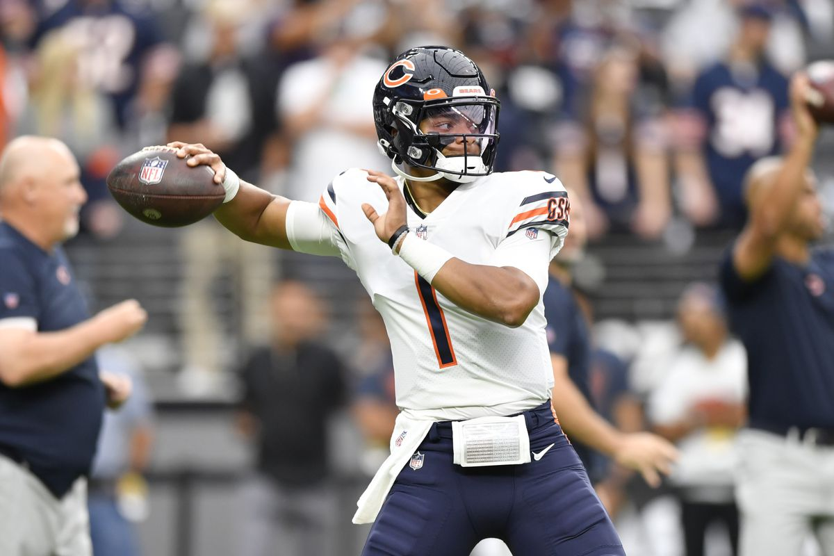 Justin Fields completed 12-of-20 passes for 111 yards, one touchdown and no interceptions for a 91.9 passer rating against the Raiders on Sunday.