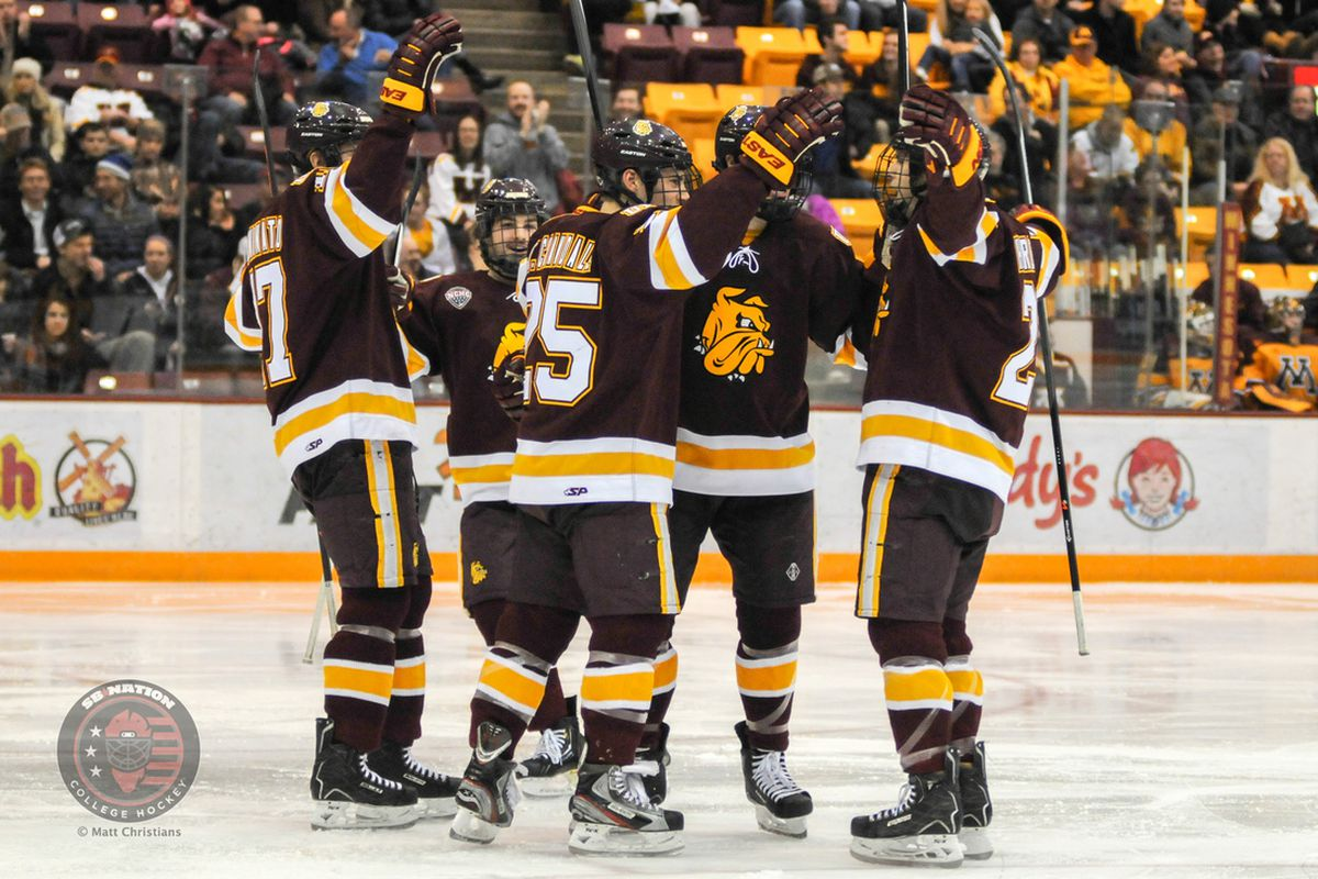 Justin Crandall scored 2 goals Sunday afternoon as the Bulldogs split the weekend series with Minnesota
