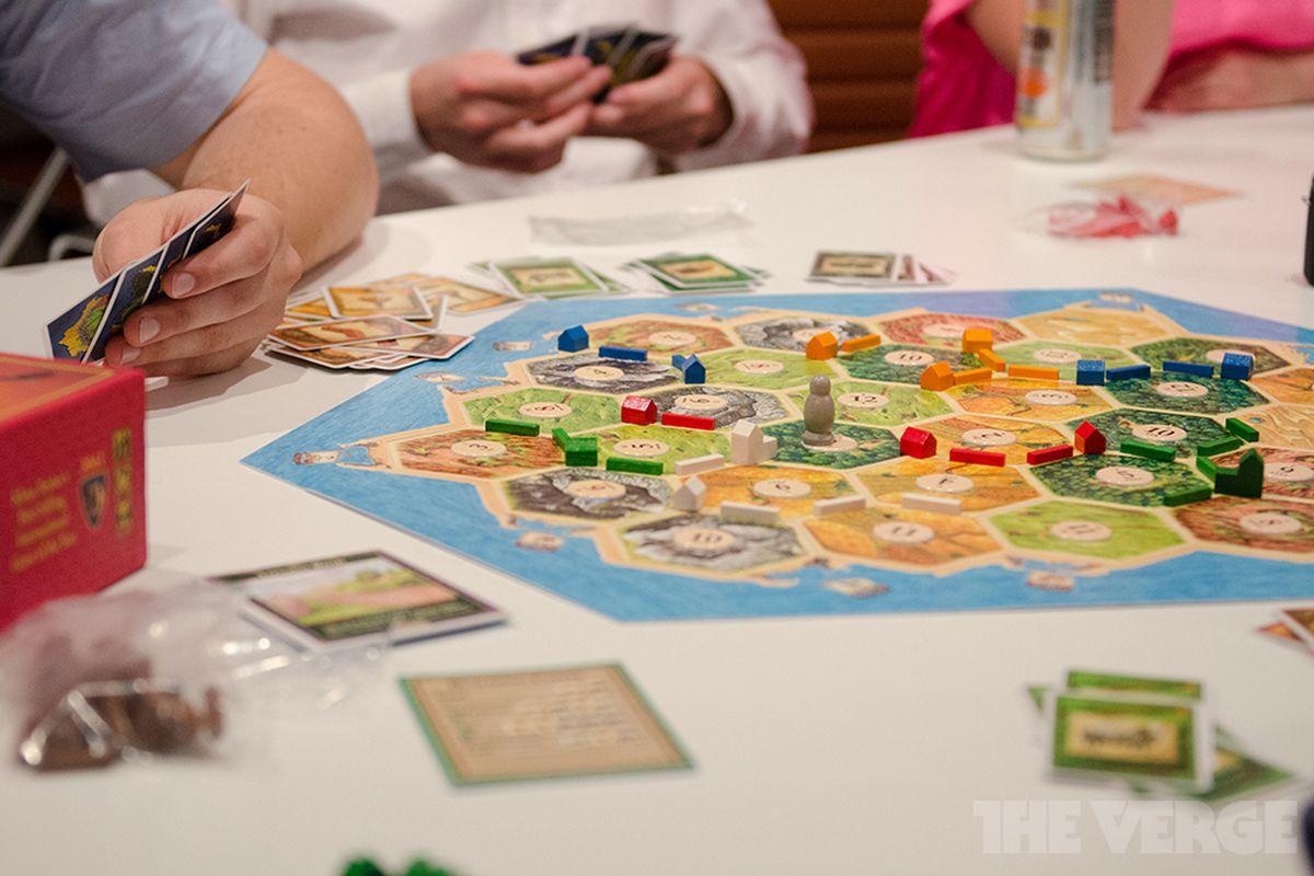 Catan board game / paul miller (STOCK)
