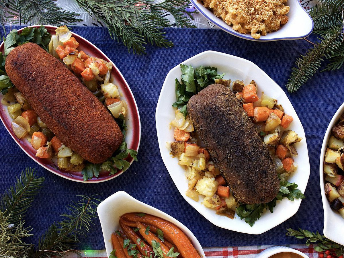 A picture of Homegrown Smoker holiday roast meal kit and vegetable sides