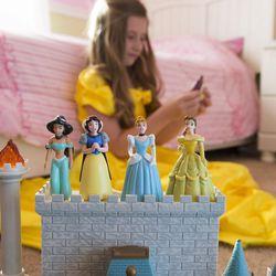 1606-03 089  Sarah Coyne(Family Life)  Disney princess culture influence  June 3, 2016  Photography by: Mark A. Philbrick/BYU Photo  Copyright BYU Photo 2016 All Rights Reserved photo@byu.edu (801)422-7322  4898