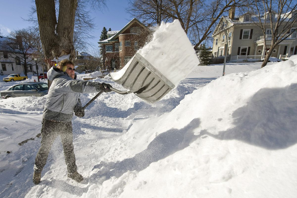 Minneapolis Digs Out After Blizzard