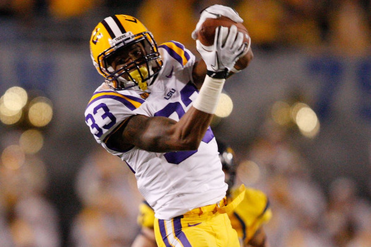 Mocking the Draft has the Ravens taking receiver Odell Beckham, Jr. in the first round in its latest mock draft.