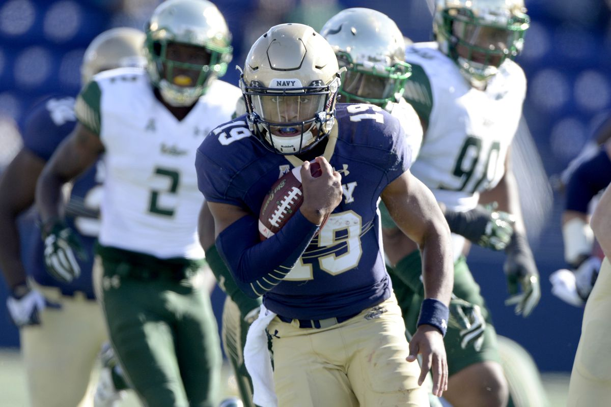 Keenan Reynolds looks to set a NCAA record in his home state of Tennessee Saturday