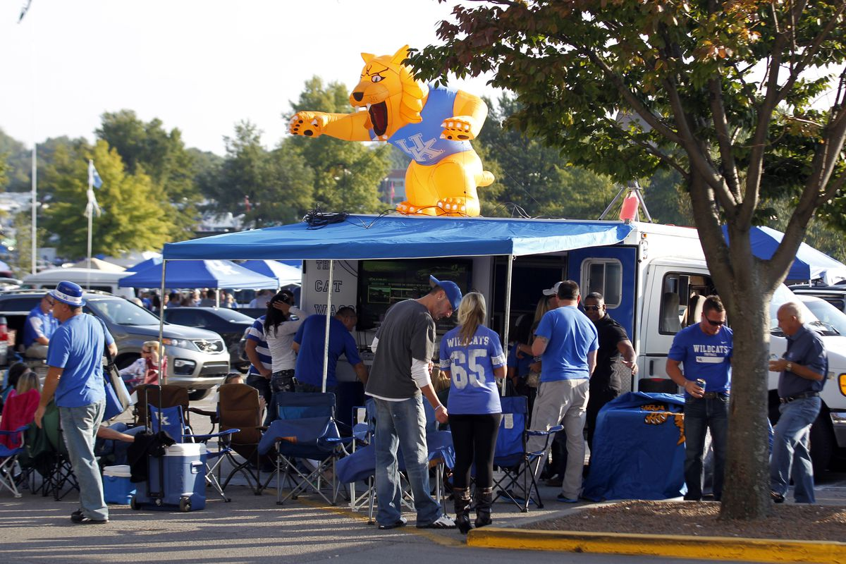Kentucky Football Fan Day Date and Details - A Sea Of Blue