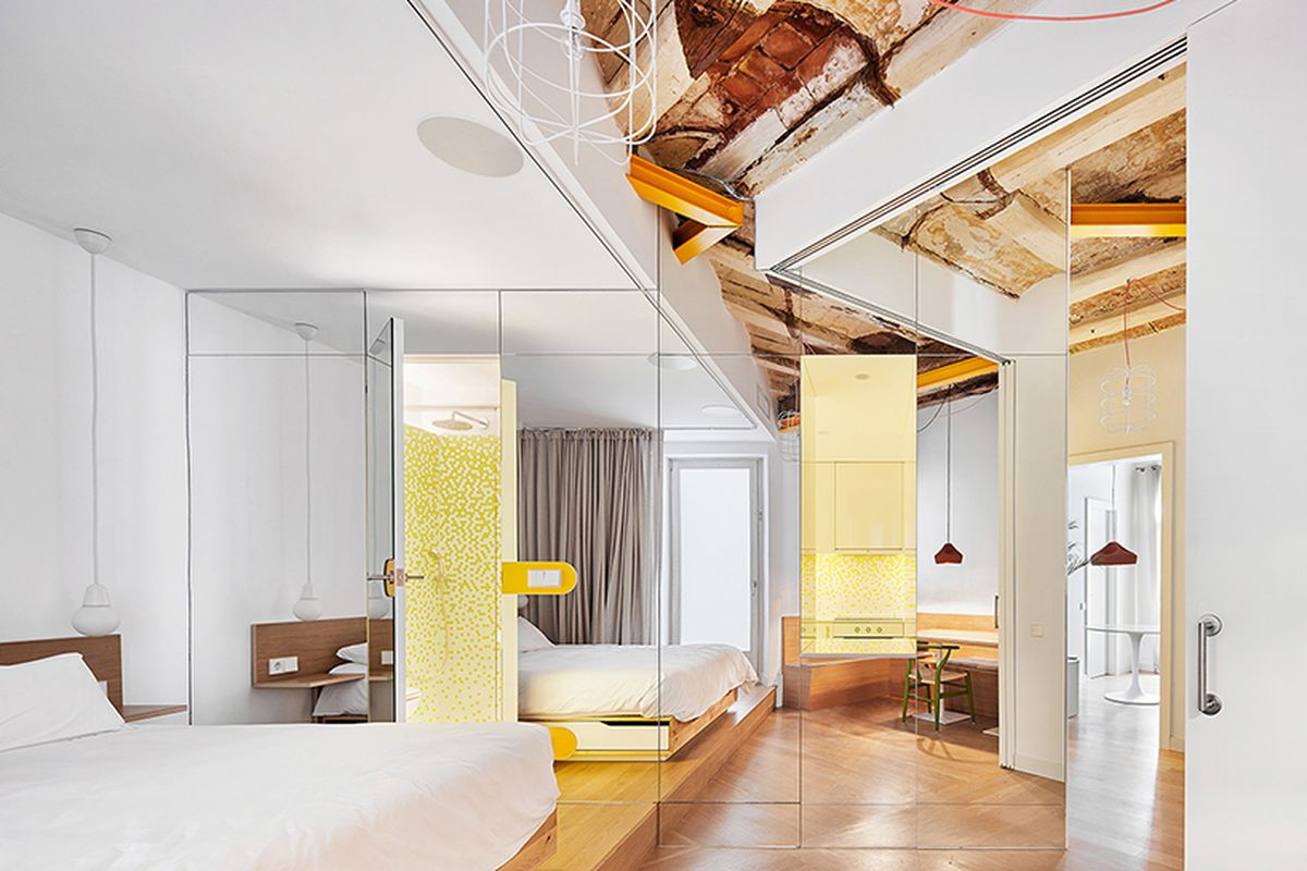 Hildi Santo Tomas Renovation Transforms Traditional Barcelona Apartment Into