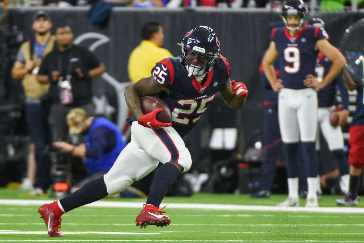 Houston Texans running back Duke Johnson finds running room after a pass reception during the football game between the Tennessee Titans and Houston Texans at NRG Stadium on December 29, 2019 in Houston, TX.