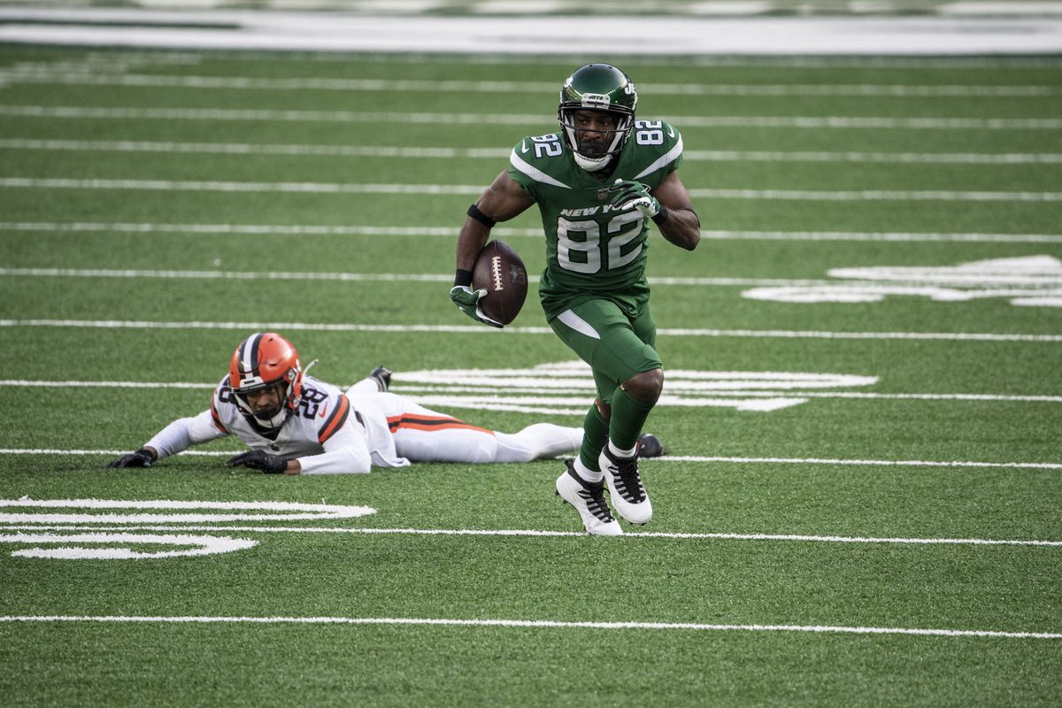 Jamison Crowder #82 of the New York Jets runs with the ball during a game against the Cleveland Browns at MetLife Stadium on December 27, 2020 in East Rutherford, New Jersey.