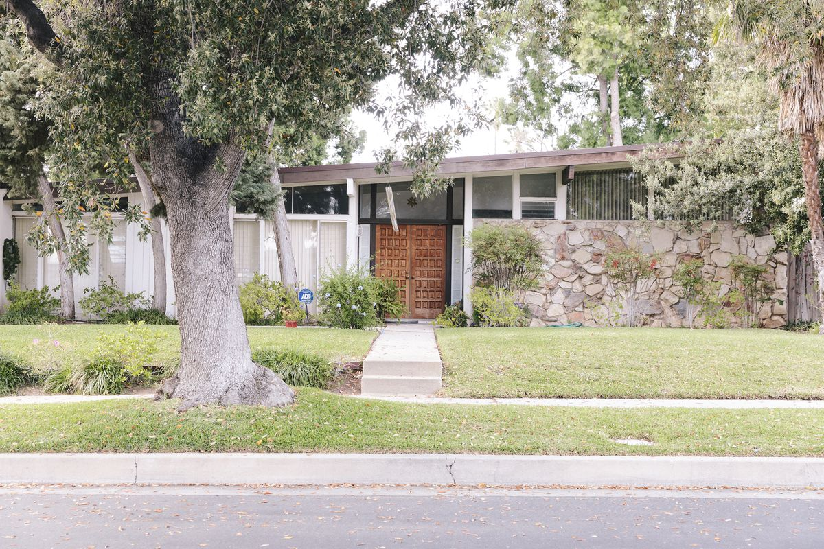 Midcentury ranch house in the Valley