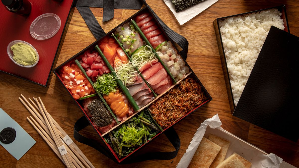 Masa, a New York Sushi Restaurant, Delivers $800 Meal: Photos ...